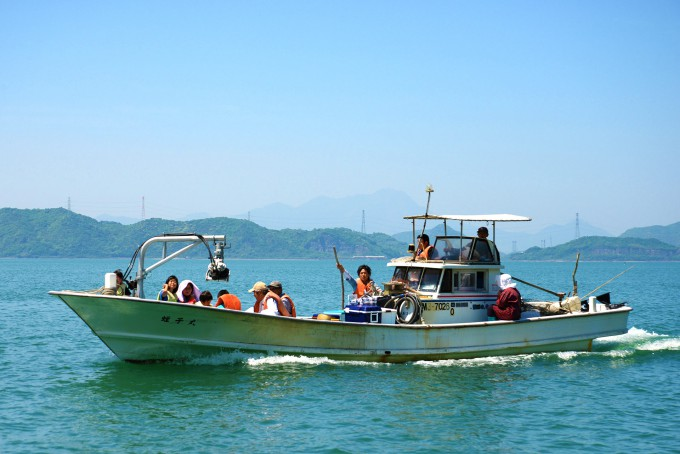 漁船で行く無人島
